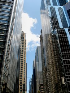 Free Tall Buildings - Vertical Royalty Free Stock Images - 6180889