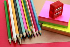 Free Crayons, Sticky Notes And Steel Royalty Free Stock Photography - 6183567