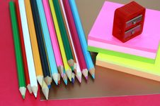Free Crayons, Sticky Notes And Steel Stock Images - 6183954