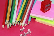 Free Crayons, Sticky Notes Drawing-pins And Steel Stock Images - 6184034