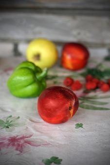 Free Fruit-piece Stock Photo - 6184100