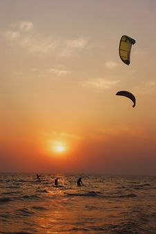 Free Silhouettes Of Kite Surfers Royalty Free Stock Photo - 6188135