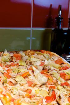 Free Greek Style Pizza Royalty Free Stock Photo - 6189415