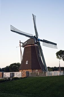 Free Windmill In Fulton Royalty Free Stock Images - 6191149