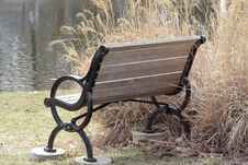 Free Empty Bench Royalty Free Stock Photography - 621547