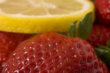 Free Strawberry And Lemon Royalty Free Stock Photo - 621575