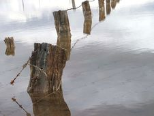 Free Flooded Fence Royalty Free Stock Image - 624386