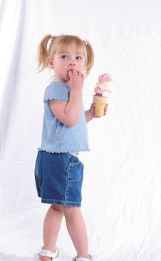 Free A Big Ice Cream Cone Royalty Free Stock Photos - 624668