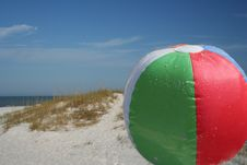 Free Ball And Dunes Stock Photography - 625352