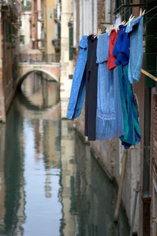 Free Venice Washing Royalty Free Stock Photos - 628518