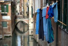 Free Venice Washing Royalty Free Stock Images - 628519