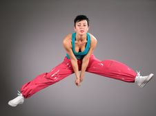 Free Dancing Woman In Sportswear  Jumps Stock Photography - 6200162