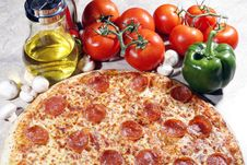 Free Pepperoni Pizza Royalty Free Stock Image - 6200866