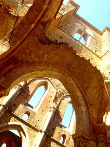 Glimpse Of San Galgano Abbey Royalty Free Stock Images