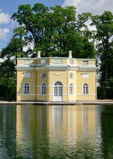 Free House On Pond Stock Image - 6202091