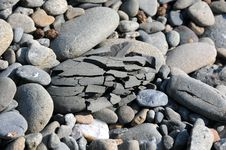 Free Natural Cracked Stones Stock Photography - 6202622