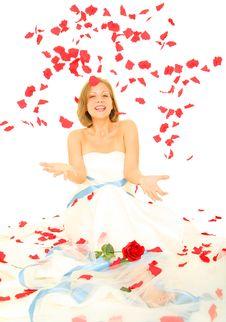 Free Beautiful Bride Throwing Rose Petal Royalty Free Stock Photography - 6202767