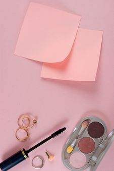 Free Cosmetics And Paper Royalty Free Stock Photos - 6203578