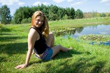 Free The Girl At A Pond Royalty Free Stock Photos - 6203698