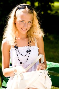 Free Lovely Young Woman With Handbag Royalty Free Stock Photography - 6204447