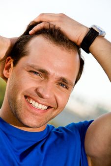 Free Smiling Man Outdoors Royalty Free Stock Image - 6204856