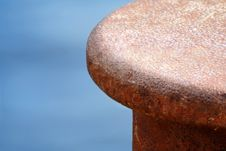 Free Rusty Bollard Royalty Free Stock Images - 6205599