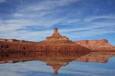Free Red Rock Reflections Royalty Free Stock Image - 6205716