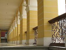 Free Yellow Corridor Or Walkway Royalty Free Stock Image - 6206166