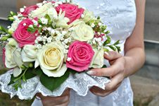Free Bride Holding Bouquet Stock Photo - 6208210