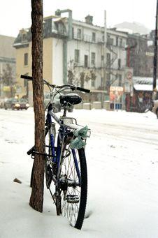 Free Winter Commute Stock Image - 6209411