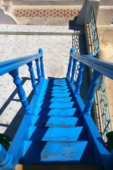 Free Blue Ladder Royalty Free Stock Image - 6210936