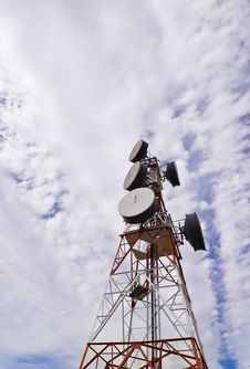 Free Telecommunication Antenna Royalty Free Stock Image - 6215546