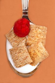 Wheat Cereal With Raspberry Royalty Free Stock Photos