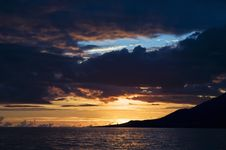 Free Sunset Over Atlantic Ocean In Azores Royalty Free Stock Images - 6221579