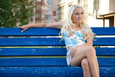 Free Young Woman Sit On The Bench Royalty Free Stock Images - 6225259