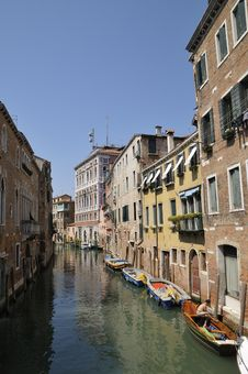 Free Cannal In Venice Royalty Free Stock Photography - 6226237