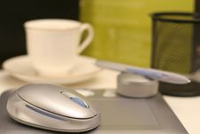 Graphics Tablet With Coffee Royalty Free Stock Photos