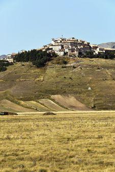 Free Big Valley, Monti Sibillini Stock Image - 6230171