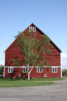 Free Large Red Barn With Blue Sky Stock Photography - 6231562