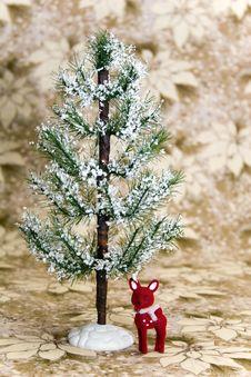 Free Reindeer Under Winter Tree Stock Images - 6232364