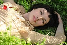Beautiful Young Brunette In Park Royalty Free Stock Photography