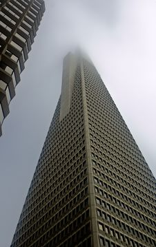 Free Transamerica Pyramid In The Clouds Royalty Free Stock Image - 6239296