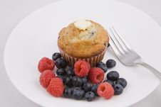 Free Breakfast Muffins & Berries Stock Photos - 6240163