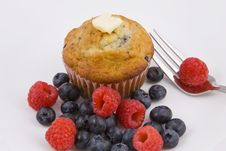 Free Breakfast Muffins & Berries Royalty Free Stock Photography - 6240167