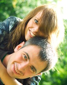 Free Happy Young Couple. Royalty Free Stock Images - 6240479