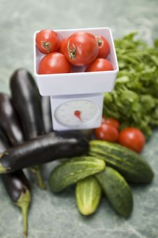 Free Kitchen Scale And Vegetables Stock Photo - 6243080