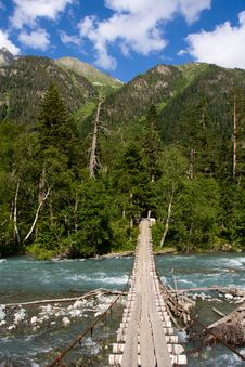 Free Suspension Bridge Royalty Free Stock Photography - 6244417