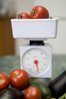Free Kitchen Scale And Vegetables Royalty Free Stock Photo - 6244525