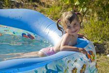 Free LITTLE SWIMMER Royalty Free Stock Image - 6247616
