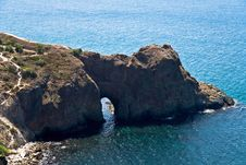 Free A Natural Rock Arch Stock Image - 6249401